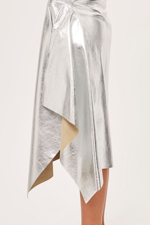 09 - Metallic skirt